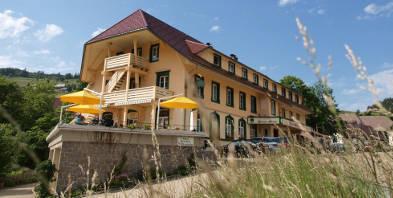 Aussen-Ansicht-Vital-Hotel-Gruener-Baum.jpg