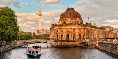Berlin-Museumsinsel-Spree-Alexanderplatz-Sehenswuerdigkeien.jpg