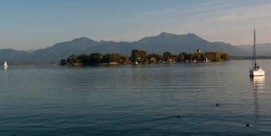 Blick-auf-die-Fraueninsel-Copyright-Chiemgau-Tourismus-eV-00209.jpg