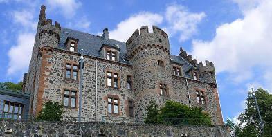 Burg-Staufenberg-Hessen-Staufenberg-Ritterburg-Prinzessin-Prinz.jpg