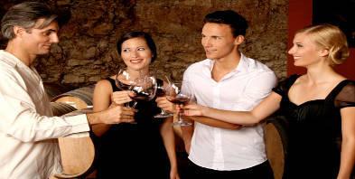 Gruppe-Wein-Genuss-trinken.jpg
