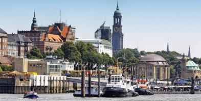 Hafen-Hamburg-Schiff.jpg