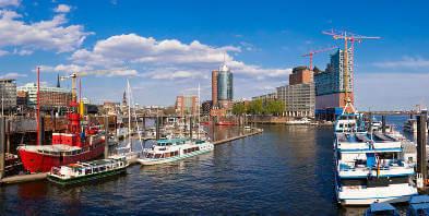 Hamburg-Hafen-Schiffe-Boote.jpg