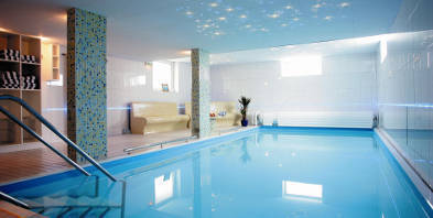 Hotel-Wulff-Schwimmbad-Pool-Entspannung-SAP-Wellness.jpg