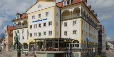Luitpoldpark-Hotel-Hotelaussen-Neuschwanstein-Schloss-Hohenschwangau-Fuessen-Kultururlaub-Kurzreise-Bayern.jpg