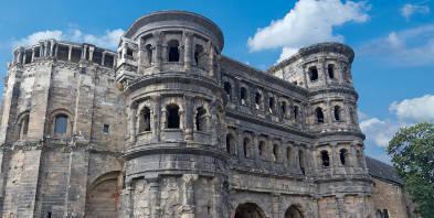 Rheinland-Pfalz-Trier-Porta-Nigra-Ruine.jpg
