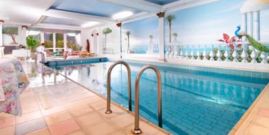 Schwimmbad-Hotel-Rueckert-Westerwald.jpg